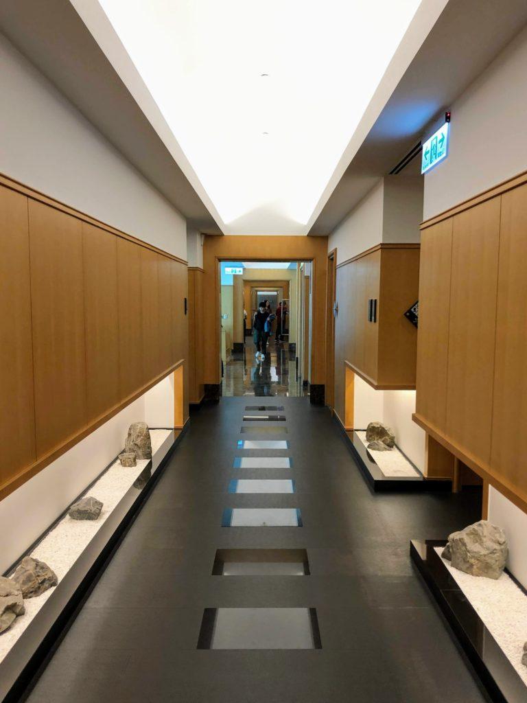 JAL桃園空港ラウンジの廊下