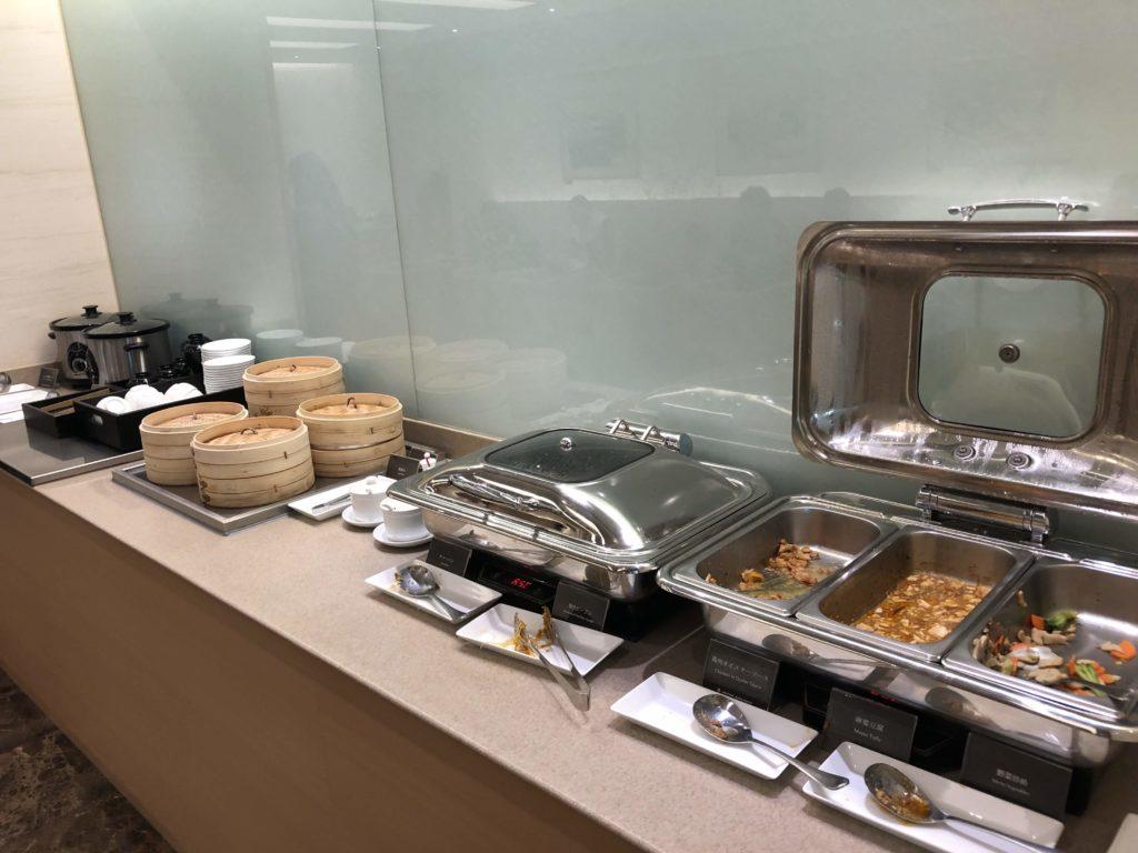 JAL桃園空港ラウンジの食べ物