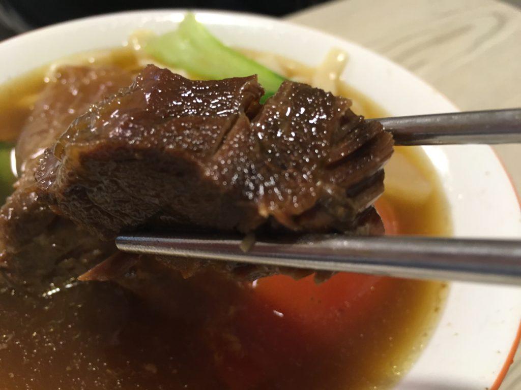 半島牛肉麺の牛肉麺の牛肉