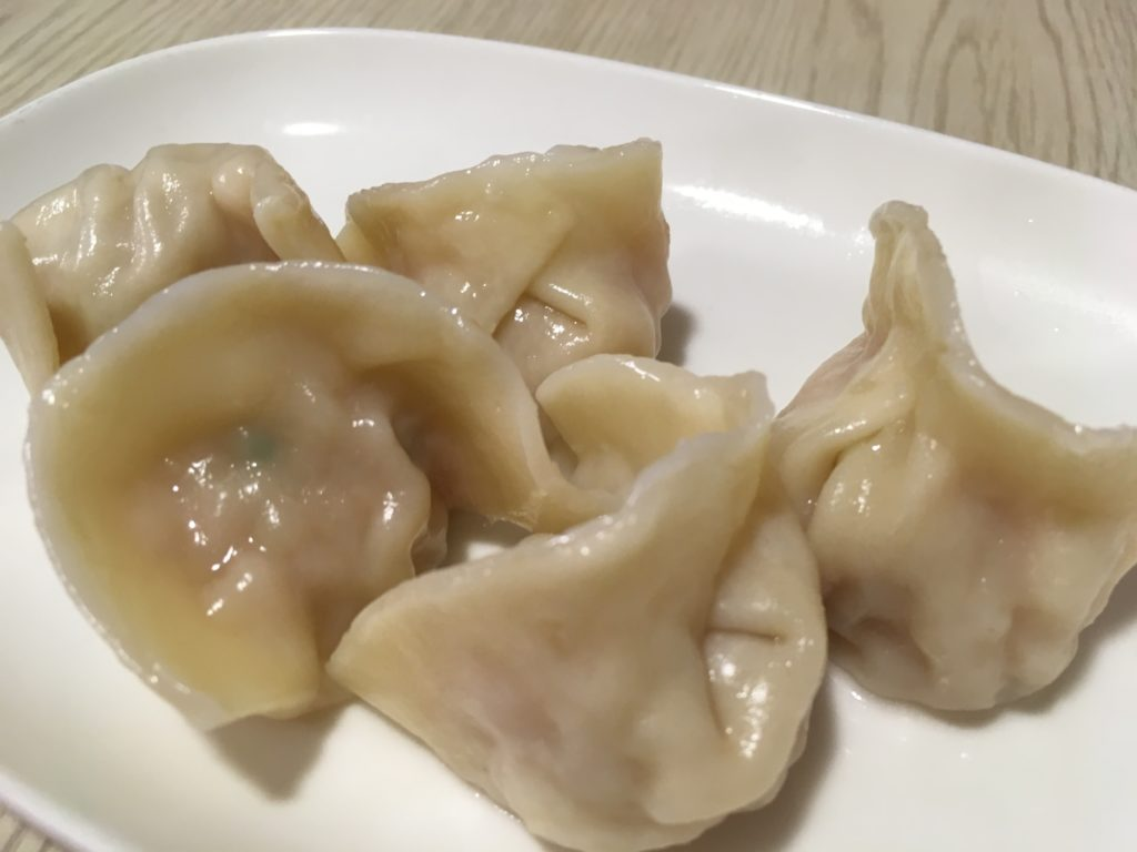 半島牛肉麺の水餃子