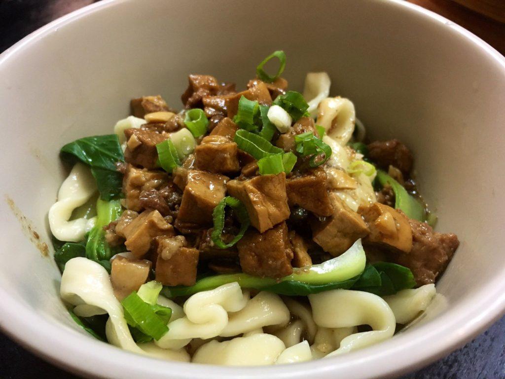 禾順豊湯包館のジャージャー麺60元