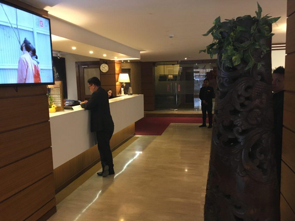 インパールのホテルロビー