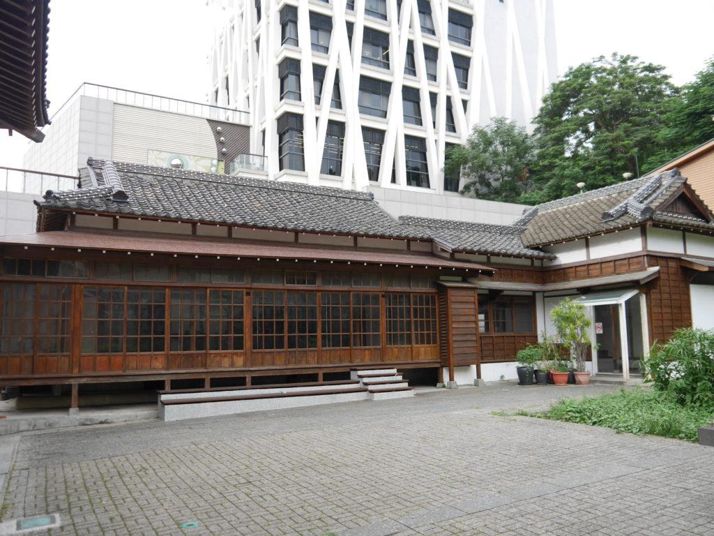 彰化の武徳殿の隣の建物
