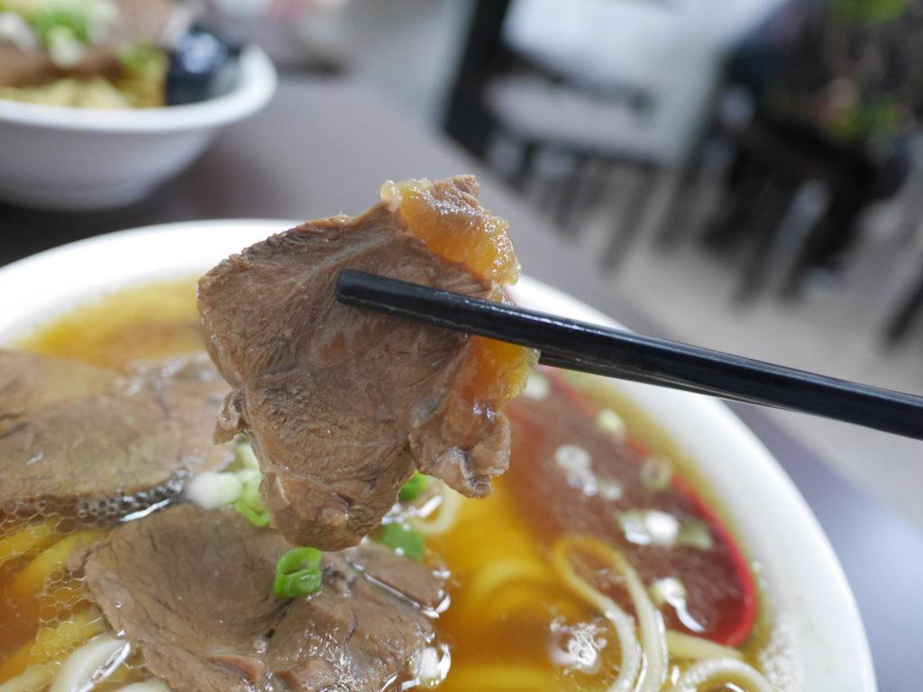 高雄の港園牛肉麺の牛肉麺の牛肉