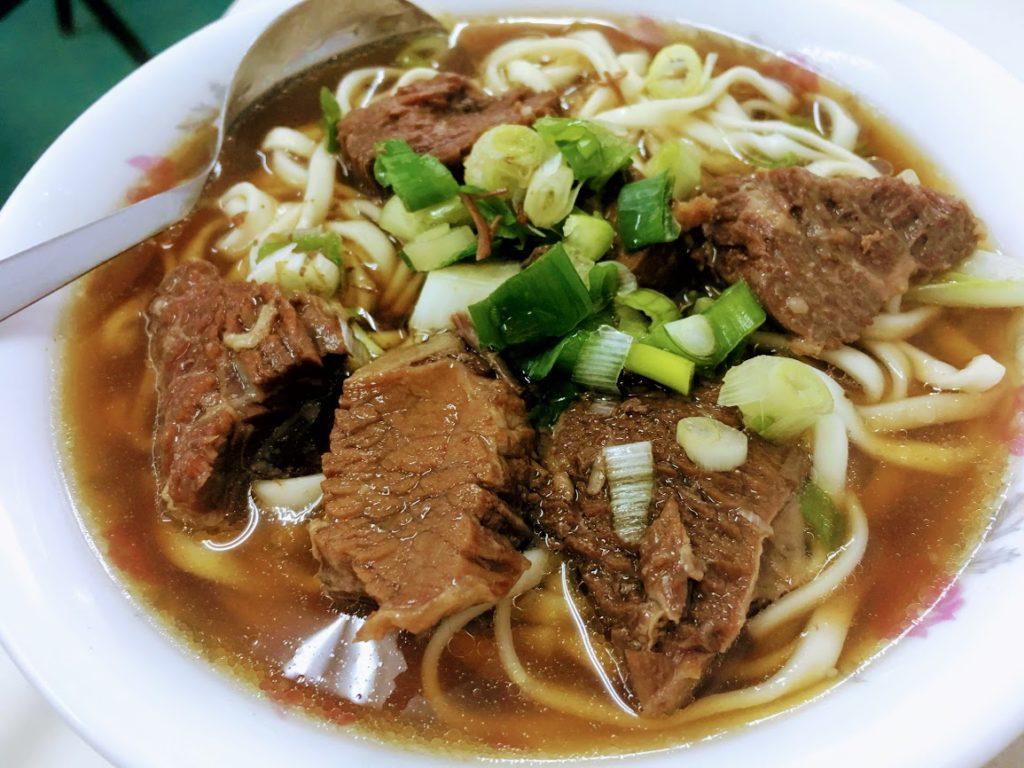 六福牛肉麺の牛肉麺