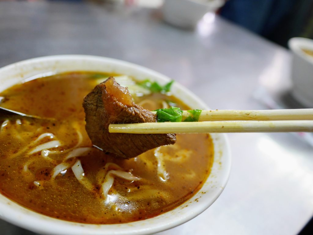 正宗紅焼牛肉麺の牛肉麺の牛肉
