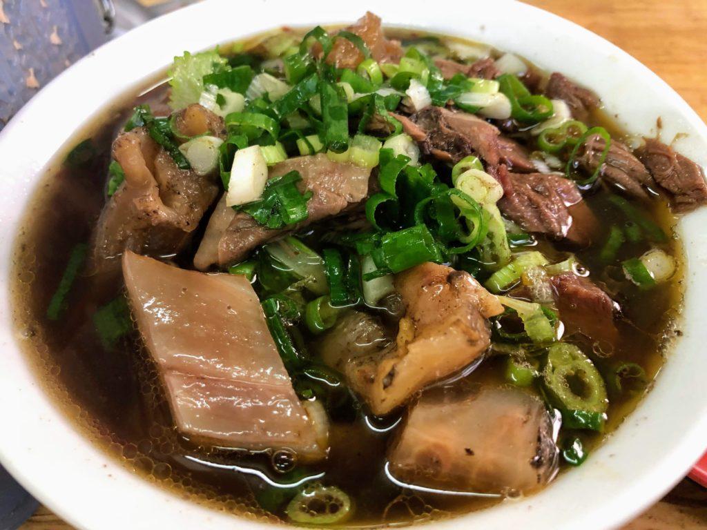 林家藥燉原汁牛肉麵大王の牛筋麺の肉