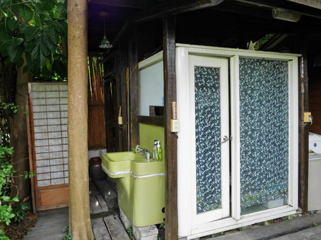 舒宿の奥のトイレ