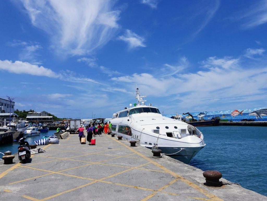 台東富岡漁港の船