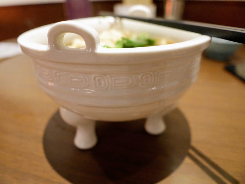 府城晶華の名物牛肉麺の器