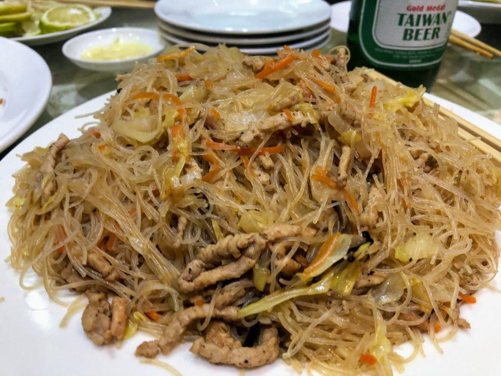 樺慶川菜餐庁のビーフン