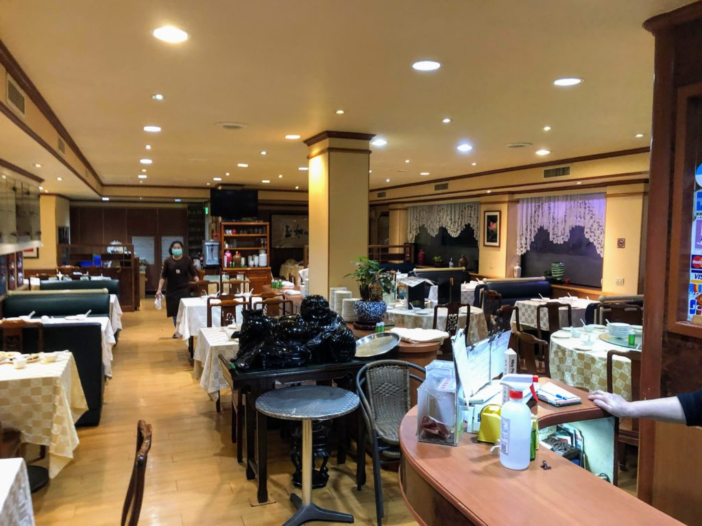 樺慶川菜餐庁の店内